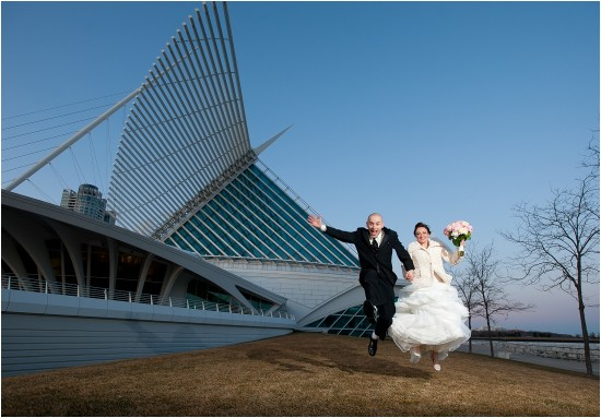 Milwaukee Art Museum Wedding Photo