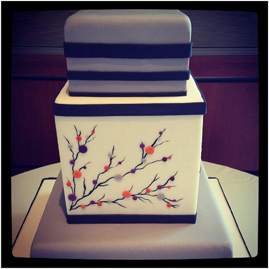 Cakes by Erin Salerno - Milwaukee Wedding Cakes - Instagram