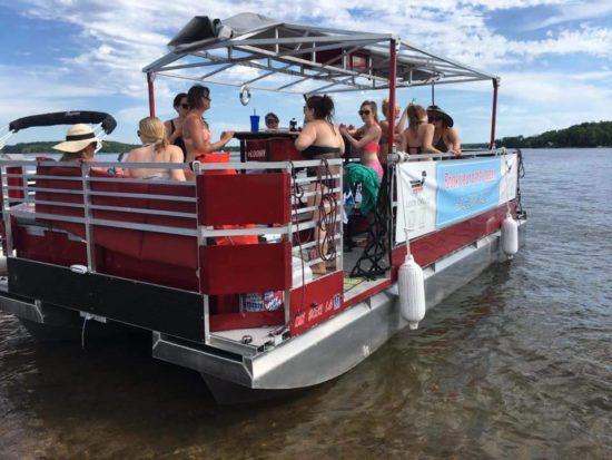 Paddle Tavern Boat Milwaukee