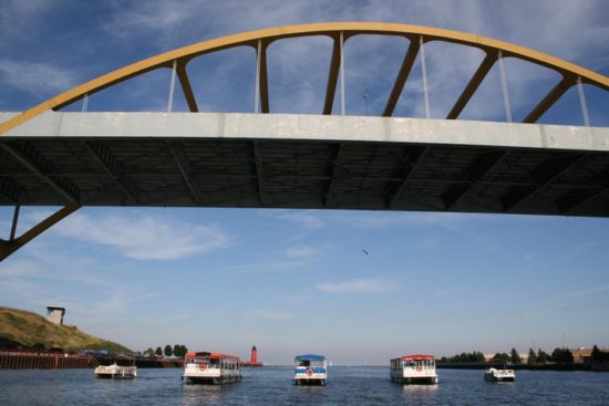Pontoon Boat Rentals Milwaukee
