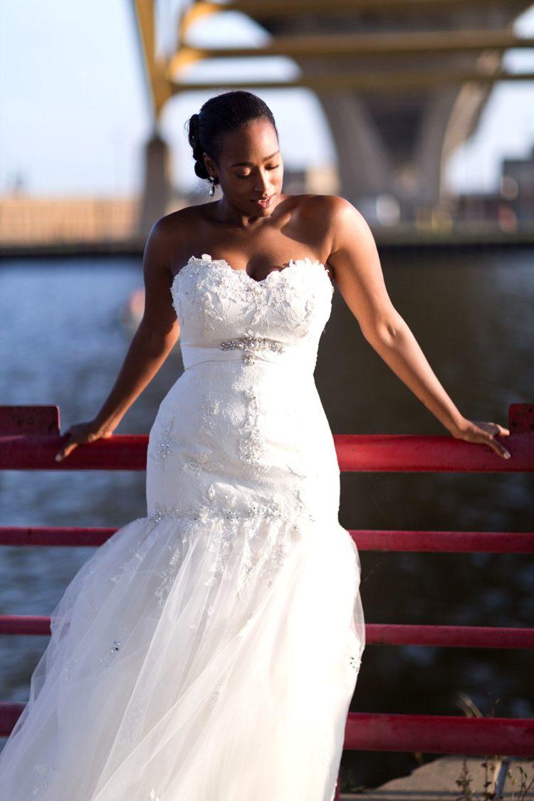 milwaukee hoan bridge bride