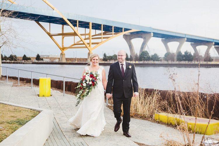 light the hoan bridge milwaukee