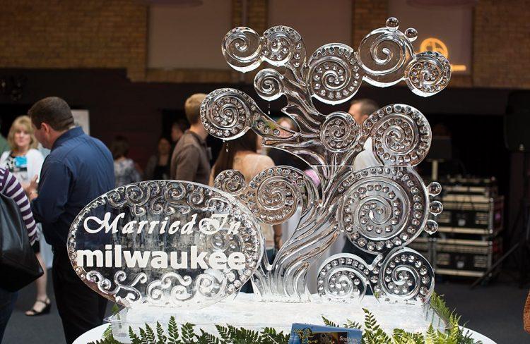 Milwaukee Wedding Ideas - Ice Sculpture